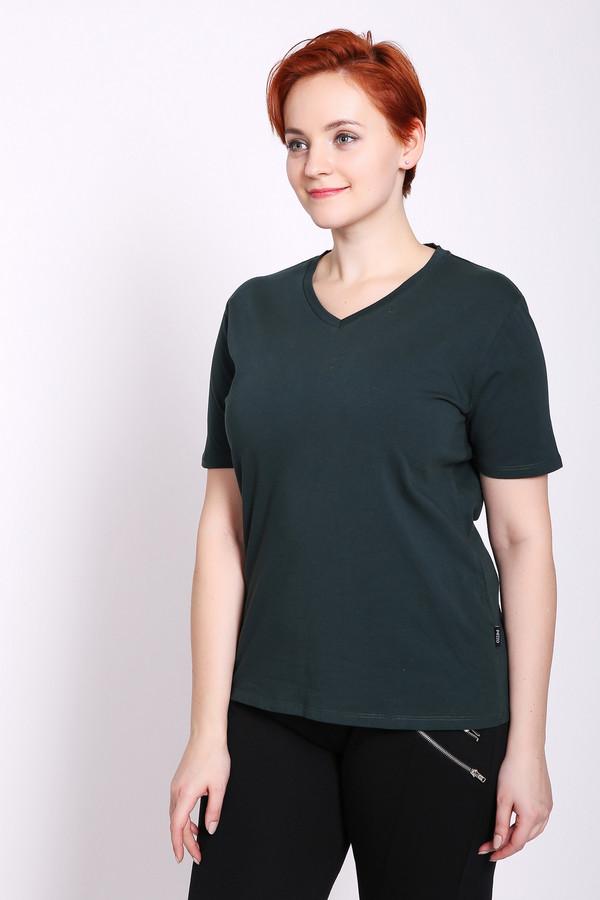 Футболка PezzoФутболки<br>Футболка женская зеленого цвета бренда Pezzo. Модель выполнена прямым фасоном. Изделие дополнено округлым воротом с V - вырезом, короткими рукавами. Ткань состоит из 5% эластана, 95% хлопка. Сочетать можно с различными брюками, юбками.
