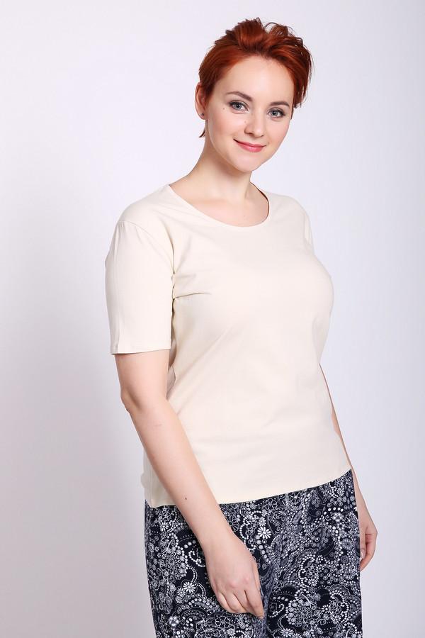 Футболка PezzoФутболки<br>Футболка женская бежевого цвета бренда Pezzo. Модель выполнена прямым фасоном. Изделие дополнено округлым воротом, короткими рукавами. Состав ткани: 5% эластан, 95% хлопок. Сочетать можно с различными брюками, юбками.