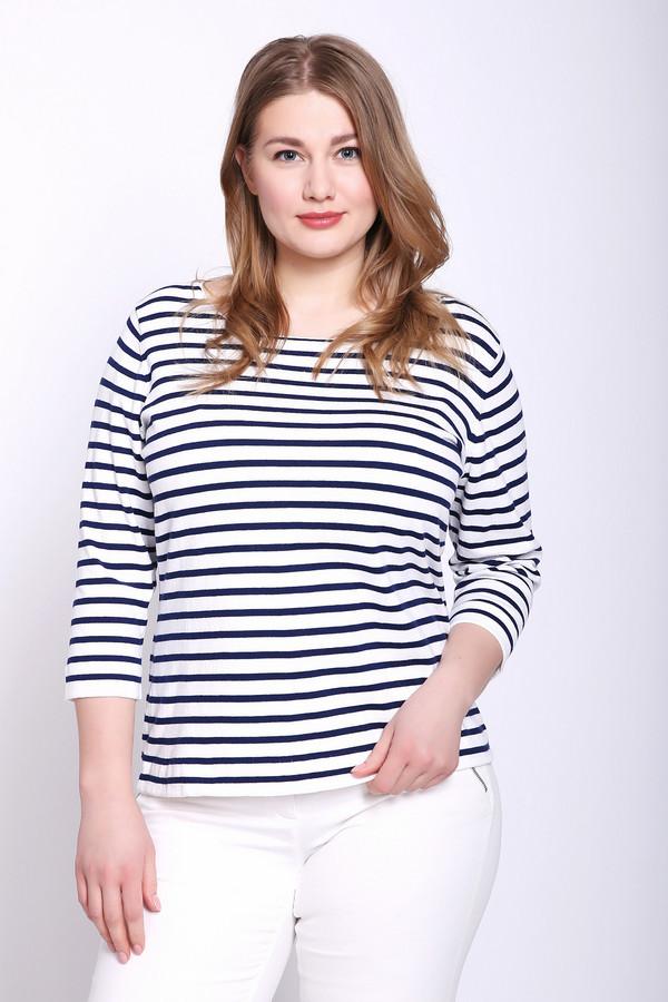 Пуловер PezzoПуловеры<br>Пуловер женский белого цвета бренда Pezzo. Модель выполнена прямым фасоном. Изделие дополнено округлым воротом, втачными рукавами 3/4 длины. Ткань имеет полосатый принт. Состав ткани: 82% хлопок, 18% полиамид. Сочетать можно с различными брюками.