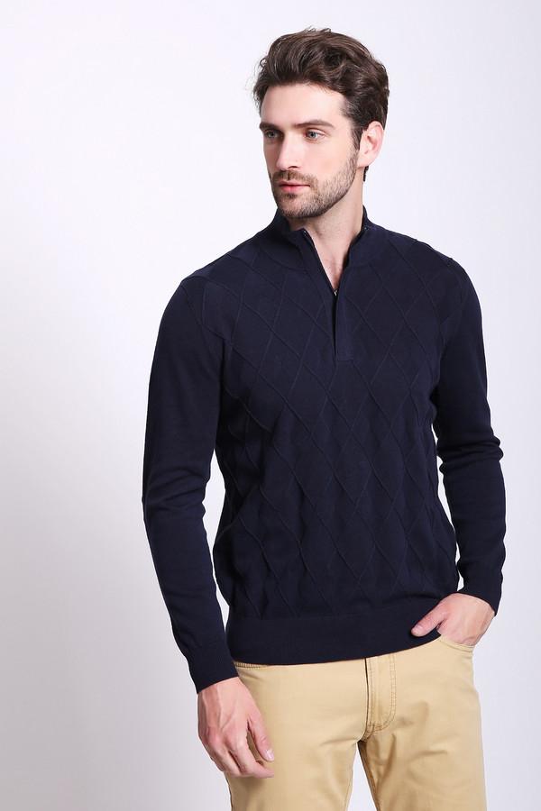 Джемпер PezzoДжемперы и Пуловеры<br>Джемпер мужской синего цвета бренда Pezzo. Модель выполнена прямым фасоном. Изделие дополнено воротом стойка, застежка молния, втачными, длинными рукавами. Передняя часть джемпера имеет выпуклый принт. Состав ткани: 100% хлопка. Сочетать можно с различными брюками.