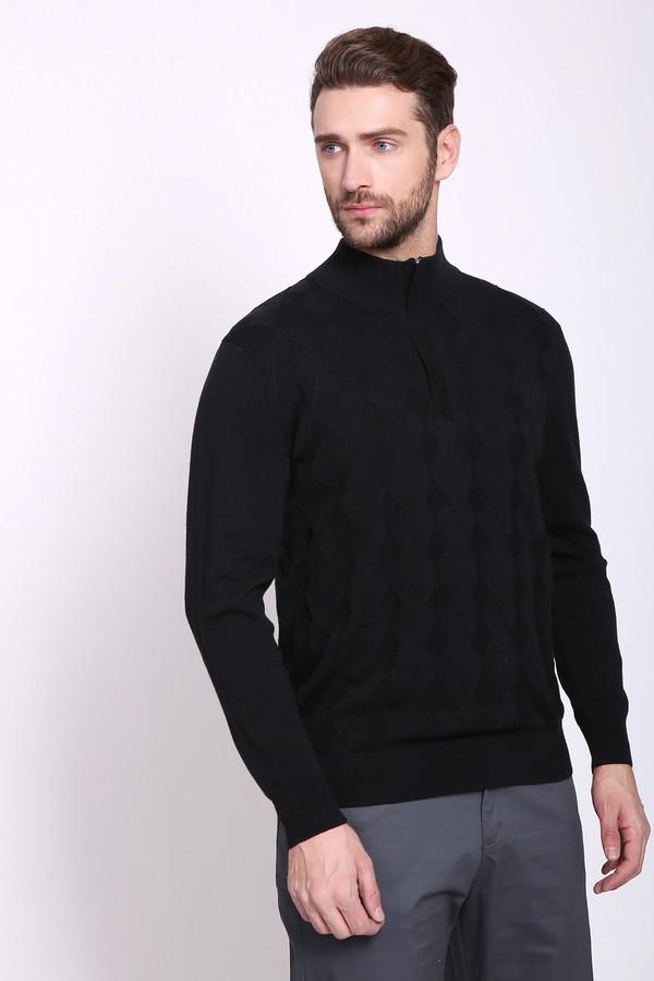 Джемпер PezzoДжемперы и Пуловеры<br>Джемпер мужской черного цвета бренда Pezzo. Модель выполнена прямым фасоном. Изделие дополнено воротом стойка, застежка молния, втачными, длинными рукавами. Передняя часть джемпера имеет выпуклый принт. Состав ткани: 100% хлопка. Сочетать можно с различными брюками.