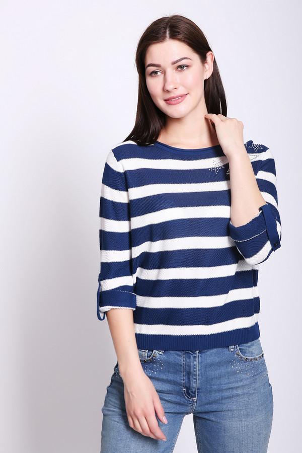 Пуловер PezzoПуловеры<br>Пуловер женский синего цвета от бренда Pezzo. Модель выполнена прямым фасоном. Изделие дополнено округлым воротом, втачными рукавами 3/4 длины. Пуловер имеет полосатый принт. Длину рукавов фиксирует бейка на пуговицу. На плече распложено украшение из страз. Ткань состоит из 65% вискозы, 6% полиэстера, 35% хлопка. Комбинировать можно с различными брюками.