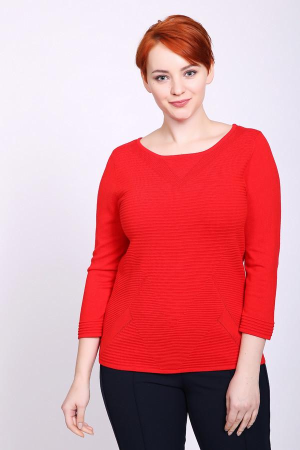 Пуловер PezzoПуловеры<br>Пуловер женский красного цвета бренда Pezzo. Модель выполнена прямым фасоном. Изделие дополнено округлым воротом, длинными рукавами. Состав ткани: 81% вискоза, 19% полиамид. Сочетать можно с различными брюками.