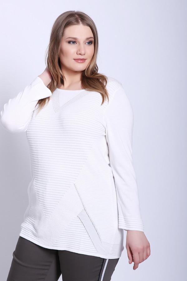 Пуловер PezzoПуловеры<br>Пуловер женский белого цвета бренда Pezzo. Модель выполнена прямым фасоном. Изделие дополнено округлым воротом, длинными рукавами. Состав ткани: 81% вискоза, 19% полиамид. Сочетать можно с различными брюками.