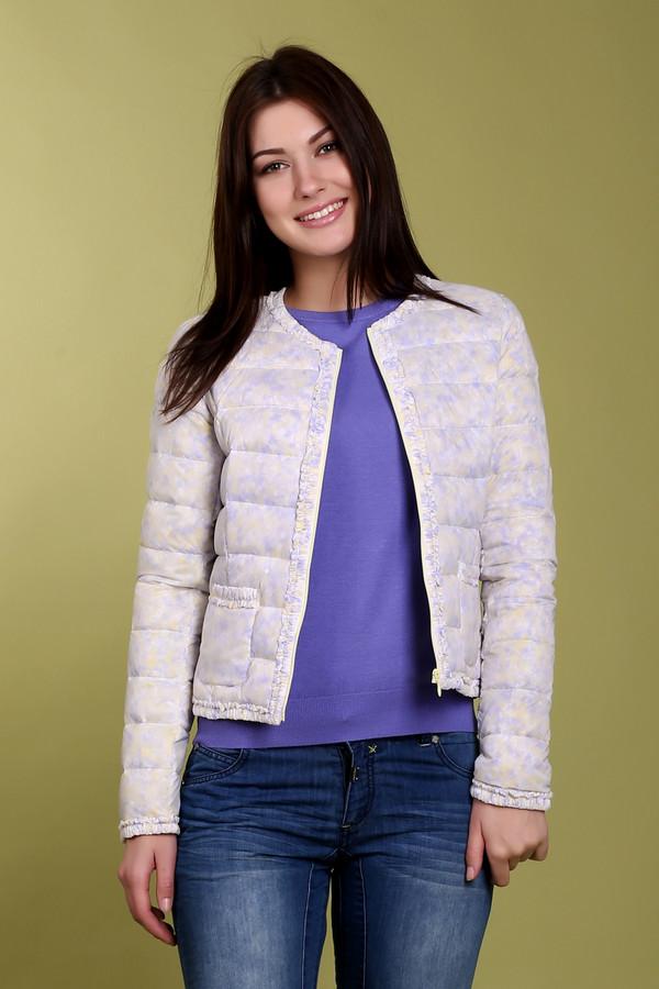 Куртка Just ValeriКуртки<br>Невероятно легкая весенняя куртка бренда Just Valeri прямого укороченного кроя выполнена в желто-сиреневом цвете. Изделие дополнено: круглым вырезом, застежкой на молнии и двумя накладными карманами. Ворот, планка, карманы, манжеты и нижний кант оформлены оторочкой из рюшей. Весьма интересная модель не оставит вас равнодушными и займет достойное место в вашем гардеробе.<br><br>Размер RU: 46<br>Пол: Женский<br>Возраст: Взрослый<br>Материал: нейлон 100%<br>Цвет: Сиреневый