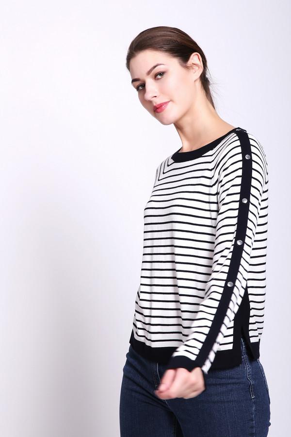 Пуловер TaifunПуловеры<br>Пуловер женский белого цвета от немецкого бренда Taifun. Модель выполнена прямым фасоном. Изделие дополнено округлым воротом, длинными рукавами реглан. На пуловере расположены вставки черного цвета. Окружность ворота обшита бейкой черного цвета. Ткань имеет полосатый принт. На одном рукаве расположены заклепки. Ткань состоит из 80% вискоза, 20% полиамид. Сочетать можно с различными брюками.