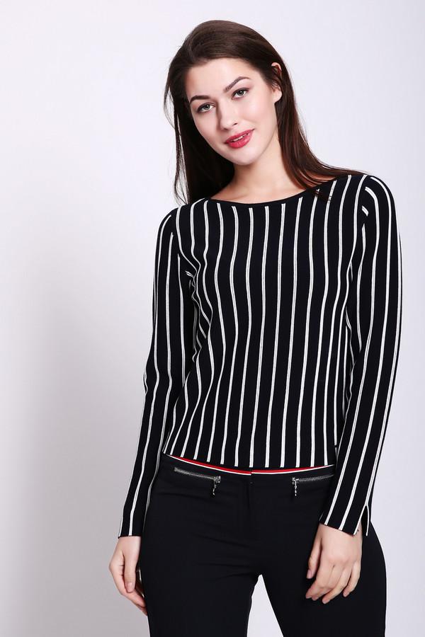 Пуловер TaifunПуловеры<br>Пуловер женский черного цвета от немецкого бренда Taifun. Ткань имеет полосатый принт. Модель выполнена прямым фасоном. Изделие дополнено округлым воротом, втачными, длинными рукавами. Ткань состоит из 3% эластана, 80% вискозы, 17% полиамида. Сочетать можно с различными юбками, брюками.