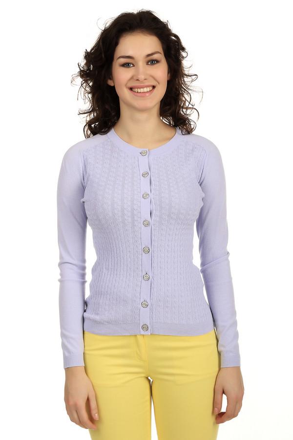 Кардиган PezzoКардиганы<br>Трикотажный кардиган от бренда Pezzo сиреневого цвета выполнен из мягкой пряжи. Изделие дополнено: круглым вырезом и длинными рукавами-реглан. Центральная часть застегивается на оригинальную фурнитуру в виде цветов. Кардиган оформлен объемным вязанным рисунком. Идеально будет смотреться как с   юбками  , так и с классическими   брюками  .<br><br>Размер RU: 46<br>Пол: Женский<br>Возраст: Взрослый<br>Материал: вискоза 65%, нейлон 35%<br>Цвет: Сиреневый