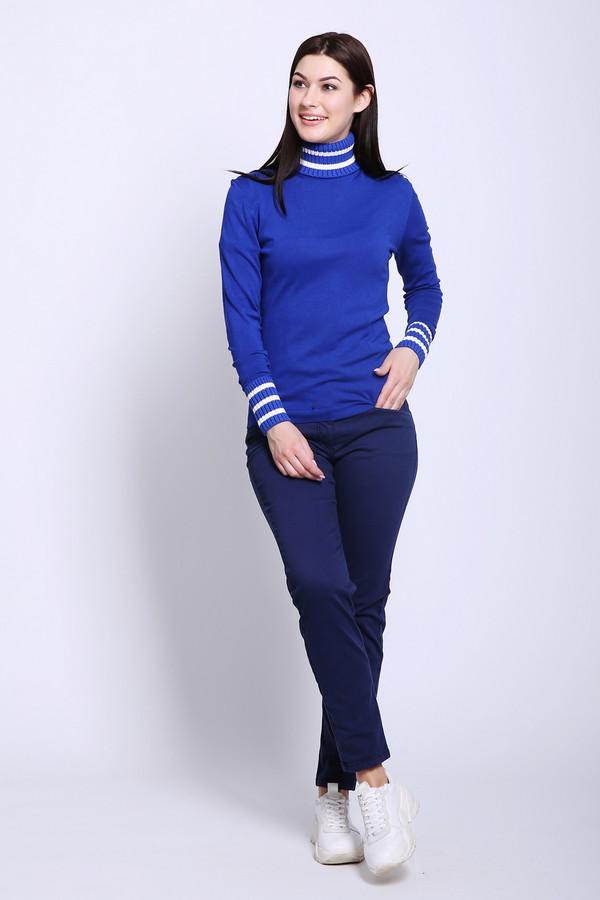 Брюки Betty BarclayБрюки<br>Брюки женские синего цвета фирмы Betty Barclay. Модель выполнена прямым фасоном. Изделие дополнено пришивным поясом со шлевками для ремня, застежка молния на пуговицу, боковыми карманами, задними кокетками и накладными карманами. Ткань состоит из 3% эластана, 86% хлопка, 11% эластомультиэстера. Подкладка - 65% полиэстер, 35% хлопок. Сочетать можно с различными футболками, блузами, пуловерами.