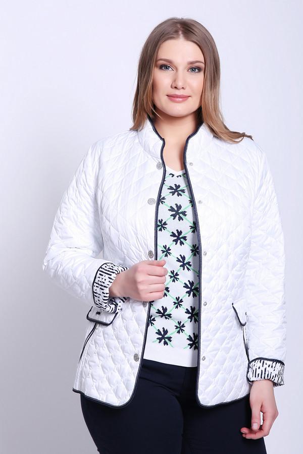 Куртка LebekКуртки<br>Куртка женская белого цвета фирмы Lebek. Модель выполнена прямым фасоном. Изделие дополнено круглым воротом стойка, втачными, длинными рукавами, боковыми карманами на молнию с клапанами. Куртка стеганая с наполнителем. Ткань состоит из 100% полиэстер. Подкладка - 100% полиэстер. Наполнитель 100% полиэстер. Комбинировать можно с различными брюками, юбками.