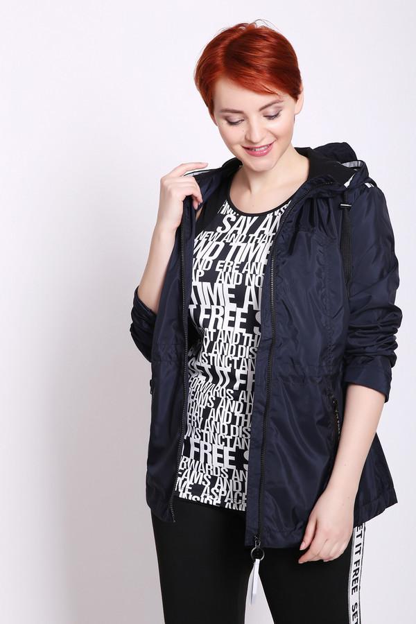 Куртка TaifunКуртки<br>Куртка женская синего цвета от немецкого бренда Taifun. Модель выполнена прямым фасоном. Изделие дополнено круглым воротом стойка с капюшоном, застежка молния, втачными, длинными рукавами, боковыми, прорезными карманами на молнию, тесьмой по линии талии, задней кокеткой. Ткань состоит из 100% полиэстера. Подкладка - 100% полиэстер. Гармонировать можно с различными брюками.