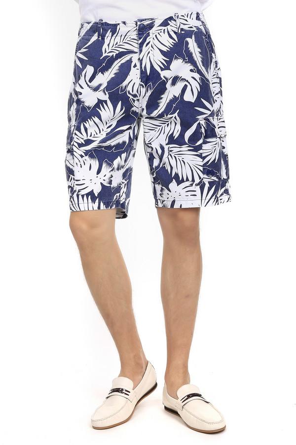 Шорты PezzoШорты<br>Летние классические мужские шорты фирмы Pezzo. Изделие состоит на 100% из хлопка и выполнено в синем цвете с белым принтом в тропическом стиле. Модель дополнена двумя скрытыми карманами сверху и двумя боковыми накладными карманами с вышитым знаком торговой марки также имеются два кармана сзади.<br><br>Размер RU: 46<br>Пол: Мужской<br>Возраст: Взрослый<br>Материал: хлопок 100%<br>Цвет: Белый