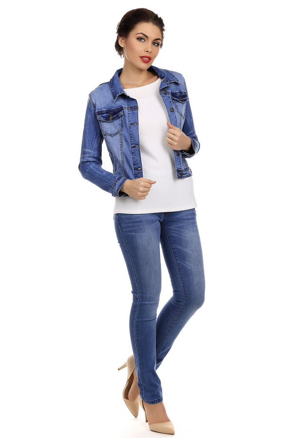 Модные джинсы Just ValeriМодные джинсы<br>Светло-синие джинсы-скинни от бренда Just Valeri облегающего кроя выгодно подчеркивают стройность фигуры. Изделие дополнено: пятью стандартными карманами и застежкой-молния с пуговицей. Джинсы-скинни во все времена актуальны и должны присутствовать в гардеробе каждой модницы.<br><br>Размер RU: 44<br>Пол: Женский<br>Возраст: Взрослый<br>Материал: хлопок 98%, эластан 2%<br>Цвет: Синий