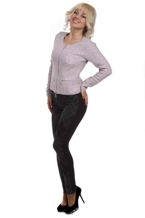 Брюки PassportБрюки<br>Клетчатые брюки Passport прилегающего кроя выполнены из материала черного-серого цвета. Брюки пошиты из смеси вискозы, полиэстера и эластана. Изделие дополнено:поясом со шлевками под ремень, четырьмя карманами и центральной застежкой-молния с пуговицей.<br><br>Размер RU: 44<br>Пол: Женский<br>Возраст: Взрослый<br>Материал: эластан 5%, вискоза 65%, полиэстер 30%<br>Цвет: Чёрный