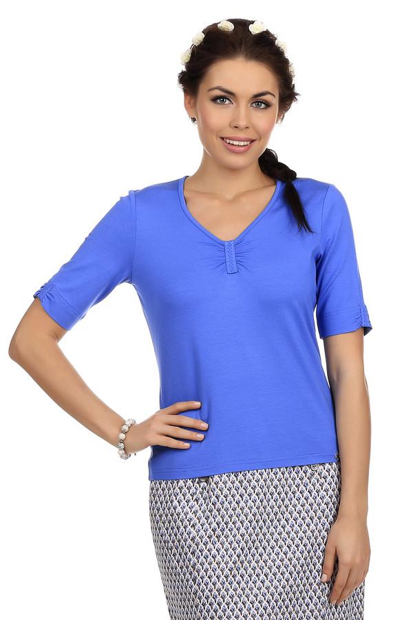 Футболка LuciaФутболки<br>Футболка для женщин от известной фирмы Lucia. Изделие представлено в ярко-синем цвете и декорировано вставками с мелкими стразами синего цвета на рукавах и вырезе. Эта футболка пошита из материала, который изготовлен из вискозы с добавлением эластана. У данной модели рукав длиной до локтя и V-образный немного округлый вырез.<br><br>Размер RU: 44<br>Пол: Женский<br>Возраст: Взрослый<br>Материал: эластан 8%, вискоза 92%<br>Цвет: Синий