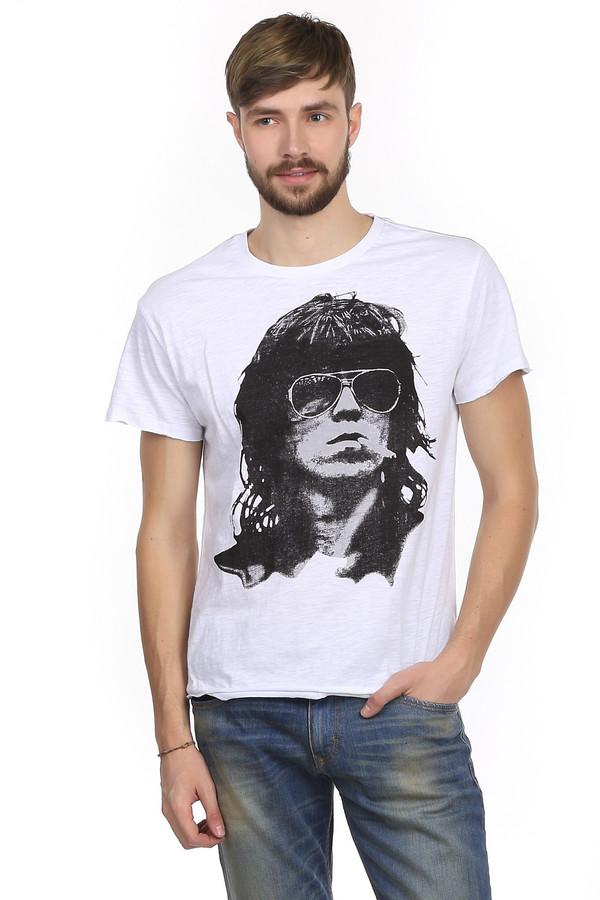 Футболкa LocustФутболки<br>Стильная футболка для мужчин в стиле гранж от бренда Locust. Это футболка классического кроя. Изделие дополнено: круглым вырезом и рукавами до середины плеча. Футболка белого цвета с эффектом скреппинга и модным, неординарным черно-белым принтом. Футболка пошита из натурального 100% хлопка. Это максимально удобный и стильный вариант повседневной одежды в жаркие летние дни.<br><br>Размер RU: 48<br>Пол: Мужской<br>Возраст: Взрослый<br>Материал: хлопок 100%<br>Цвет: Разноцветный