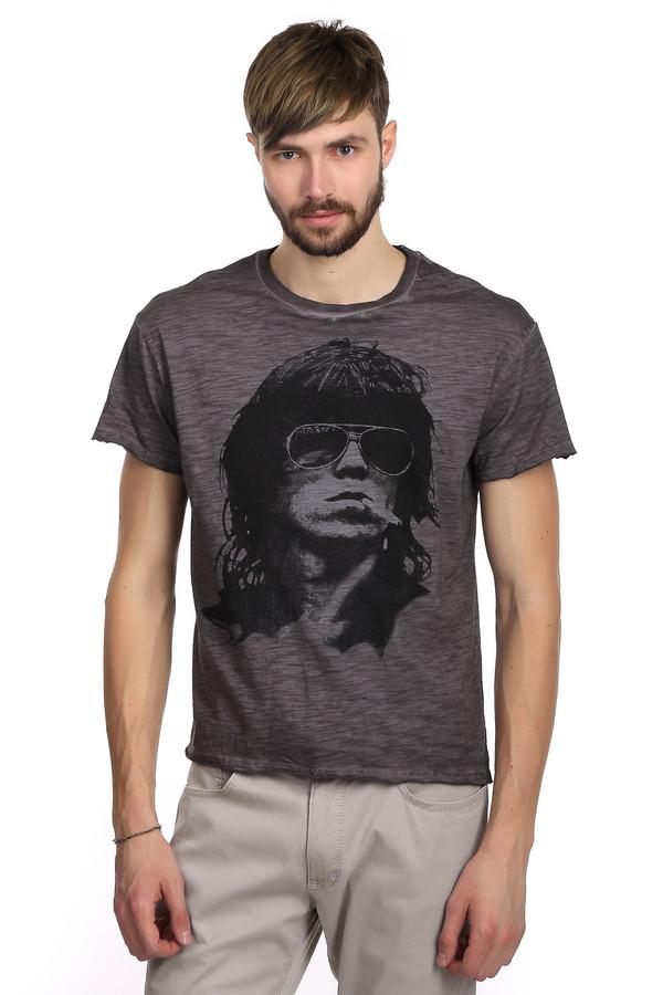 Футболкa LocustФутболки<br>Стильная футболка для мужчин в стиле гранж от бренда Locust. Это футболка классического кроя. Изделие дополнено: круглым вырезом и рукавами до середины плеча. Футболка темно-серого цвета с эффектом скреппинга и модным, неординарным черно-белым принтом. Футболка пошита из натурального 100% хлопка. Это максимально удобный и стильный вариант повседневной одежды в жаркие летние дни.<br><br>Размер RU: 48<br>Пол: Мужской<br>Возраст: Взрослый<br>Материал: хлопок 100%<br>Цвет: Чёрный