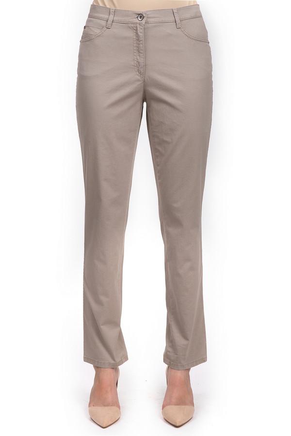 Брюки BraxБрюки<br>Бежевые женские брюки от бренда Brax прямого кроя. Это брюки пошитые из хлопка с небольшим процентом эластана. Изделие дополнено: пятью стандартными карманами, шлевками для ремня и застежкой-молния с пуговицей. Задние карманы декорированы вышивкой дополненной фурнитурой металлического цвета.<br><br>Размер RU: 52<br>Пол: Женский<br>Возраст: Взрослый<br>Материал: эластан 3%, хлопок 97%<br>Цвет: Бежевый