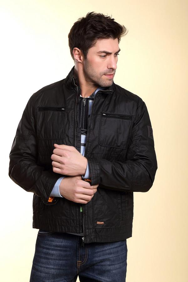 Куртка CalamarКуртки<br>Мужская брендовая куртка от Calamar. Куртка представлена в черном цвете и сшита из 100% хлопка. У данной модели воротник-стойка и застегивается она на застежку-молнию. Изделие дополнено двумя боковыми карманами и парой нагрудных карманов на молниях.<br><br>Размер RU: 50<br>Пол: Мужской<br>Возраст: Взрослый<br>Материал: хлопок 100%<br>Цвет: Чёрный