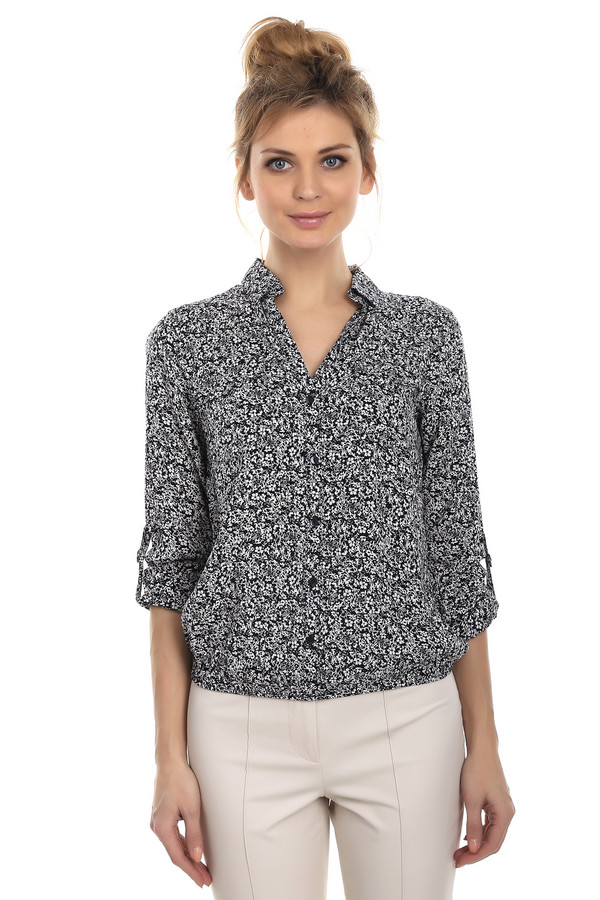 Блузa Tom TailorБлузы<br>Женская блуза-рубашка на пуговицах от бренда Tom Tailor, с отложным воротником, украшенная черно-белым цветочным принтом. Материал данного изделия - 100% вискоза. Рукава блузы можно подстегнуть на пуговицу.<br><br>Размер RU: 40<br>Пол: Женский<br>Возраст: Взрослый<br>Материал: вискоза 100%<br>Цвет: Разноцветный