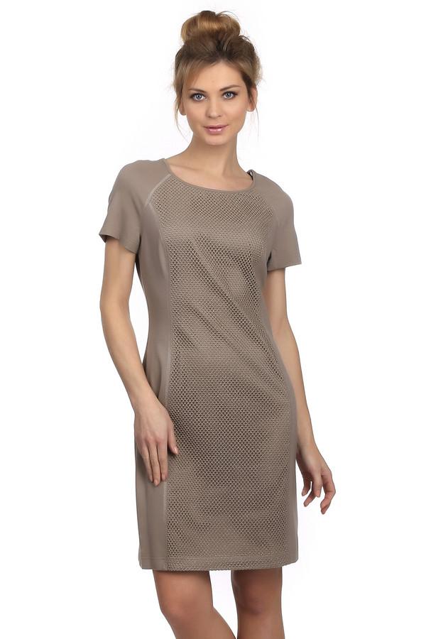 Платье TuzziПлатья<br>Женское платье кофейного оттенка от бренда Tuzzi. Это приталенное платье длиной до колена, с U-образным вырезом и коротким рукавом. Изделие пошито из смеси вискозы и полиамида, с добавлением эластана. Передняя часть платье декорирована сеткой с люрексом.<br><br>Размер RU: 42<br>Пол: Женский<br>Возраст: Взрослый<br>Материал: вискоза 70%, полиамид 26%, эластан 4%<br>Цвет: Бежевый