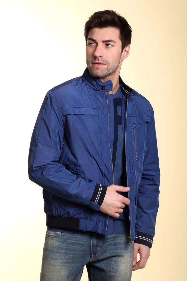 Куртка CabanoКуртки<br>Стильная мужская куртка от бренда Сabano из полиэстера обещает своему владельцу комфорт и защиту от капризов погоды демисезона. Доступна в синем и тёмно-синем цветах. Модель выполнена из полиэстера и застёгивается на молнию по центру. Изделие дополнено нагрудным карманом на молнии. Прямой воротник на кнопках придаёт фасону некоторую строгость. За счёт универсальности кроя, выгодно подчеркнет любой силуэт.