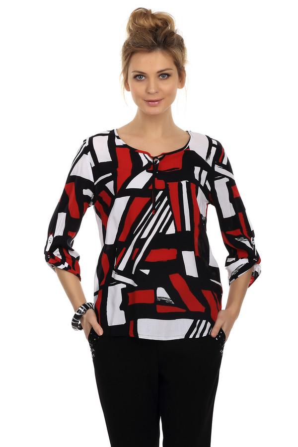Блузa LebekБлузы<br>Яркая женская блуза от бренда Lebek. Это блуза, выполненная в красном, белом и черном цветах. Данная блуза пошита из 100% вискозы и сшита по простому, слегка свободному покрою. Изделие дополнено: круглым вырезом, удлиненной спинкой и рукавами 3/4. Рукав изделия можно подстегнуть пуговицей, а вырез завязывается на завязки.<br><br>Размер RU: 52<br>Пол: Женский<br>Возраст: Взрослый<br>Материал: вискоза 100%<br>Цвет: Разноцветный