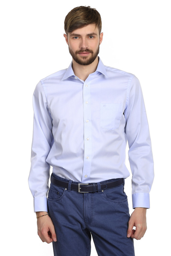 Рубашка с длинным рукавом Casa ModaДлинный рукав<br>Голубая рубашка для мужчин от бренда Casa Moda. Это классическая мужская рубашка с длинным рукавом и отложным воротником. У данной модели есть нагрудный карман с небольшой вышивкой эмблемы бренда. На спине рубашки есть две небольшие оборки. Такие рубашки никогда не выходят из моды и легко сочетаются с одеждой абсолютно любого стиля. Они способны освежить и придать солидности образу любого мужчины.<br><br>Размер RU: 39<br>Пол: Мужской<br>Возраст: Взрослый<br>Материал: хлопок 100%<br>Цвет: Голубой