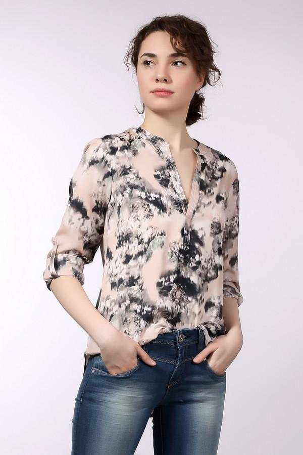 Блузa Tom TailorБлузы<br>Необычная женская блуза от бренда Tom Tailor. Это блуза бежевого цвета, с оригинальным принтом черно-белого цвета. Изделие дополнено: v-образным вырезом, удлиненной спинкой и длинными рукавами с возможностью отворота. Материал - 100% полиэстер.