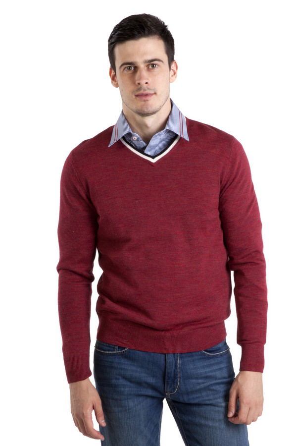 Джемпер PezzoДжемперы<br>Модный мужской джемпер Pezzo красного цвета. Изделие дополнено v-образным вырезом оформленным белой и красной полоской. Ворот, манжеты и нижний кант оформлены трикотажной резинкой.<br><br>Размер RU: 56<br>Пол: Мужской<br>Возраст: Взрослый<br>Материал: шерсть 100%<br>Цвет: Красный