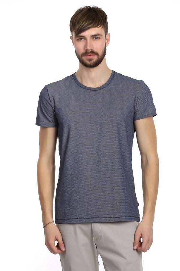 Футболкa Tom TailorФутболки<br>Очень стильная мужская футболка от немецкого бренда Tom Tailor. Футболка выполнена из хлопкового бело-синего материала с добавлением эластана. Изделие дополнено: круглым вырезом и короткими рукавами. Прекрасно будет смотреться как с джинсами, так и с шортами.<br><br>Размер RU: 46-48<br>Пол: Мужской<br>Возраст: Взрослый<br>Материал: хлопок 95%, эластан 5%<br>Цвет: Синий