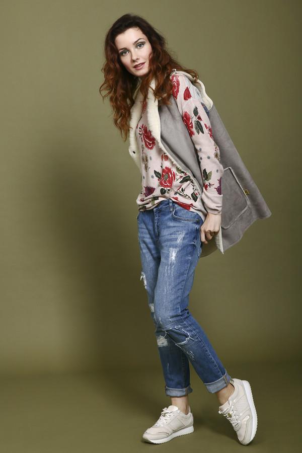 Модные джинсы SetМодные джинсы<br>Джинсы для женщин от бренда Set. Данные джинсы представлены в темно-синем цвете с эффектом скреппинга. Это джинсы-скинни средней посадки, дополненные двумя передними накладными карманами, пятым карманом и парой задних накладных карманов. Джинсы пошиты из хлопка с небольшим процентом эластана.<br><br>Размер RU: 40<br>Пол: Женский<br>Возраст: Взрослый<br>Материал: эластан 1%, хлопок 99%<br>Цвет: Синий