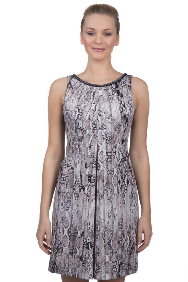 Платье Sai-KuПлатья<br>Неординарное платье для женщин, от известного бренда Sai-Ku. Это платье-безрукавка длиной до середины бедра, в складку, приталенного кроя, с круглым вырезом, который декорирован прозрачным и черным бисером. Изделие пошито из ткани со змеиным принтом, которая на 92% состоит из полиэстера и на 2% из эластана.<br><br>Размер RU: 44<br>Пол: Женский<br>Возраст: Взрослый<br>Материал: эластан 8%, полиэстер 92%<br>Цвет: Разноцветный
