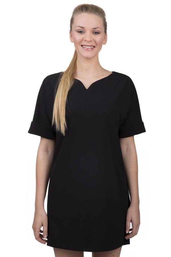 Короткое платье Sai-KuКороткие платья<br>Стильное короткое женское платье-футляр от бренда Sai-Ku. Это платье черного цвета, свободного кроя, пошитое из полиэстера с небольшим процентом эластана. У этой модели фигурный вырез и рукав с подворотом, длиной до середины плеча.<br><br>Размер RU: 44<br>Пол: Женский<br>Возраст: Взрослый<br>Материал: эластан 5%, полиэстер 95%<br>Цвет: Чёрный