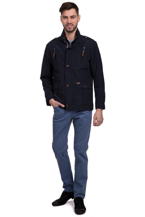 Классические джинсы GardeurКлассические джинсы<br>Классические мужские брюки бледно-синего оттенка от бренда Gardeur. Это брюки средней посадки, прямого зауженного кроя, которые дополнены классическими передними и задними пятью карманами. Эти брюки сшиты из материала, который на 98% состоит из хлопка и на 2% из эластана.<br><br>Размер RU: 48-50(L34)<br>Пол: Мужской<br>Возраст: Взрослый<br>Материал: хлопок 98%, эластан 2%<br>Цвет: Голубой
