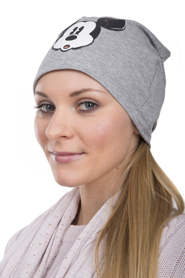 Шапка CodelloШапки<br>Оригинальная женская шапка от бренда Codello серого цвета. Это изделие выполнено из натурального хлопка. Данная модель является демисезонной. Шапка дополнена изображением Микки Мауса. Дополнит повседневный образ с теплым пальто или курткой. Изделие согреет в прохладную погоду. Шапку по надобности можно легко сложить. Она не займет много места в сумке.<br><br>Размер RU: один размер<br>Пол: Женский<br>Возраст: Взрослый<br>Материал: хлопок 100%<br>Цвет: Разноцветный