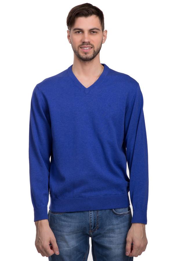Джемпер Casa ModaДжемперы<br>Стильный джемпер для мужчин от бренда Casa Moda. Это джемпер ярко-синего цвета, с v-образным вырезом и резинками на рукавах и снизу. Изделие дополнено маленькой эмблемой бренда на груди. Джемпер пошит из натурального хлопка.<br><br>Размер RU: 46-48<br>Пол: Мужской<br>Возраст: Взрослый<br>Материал: хлопок 100%<br>Цвет: Синий