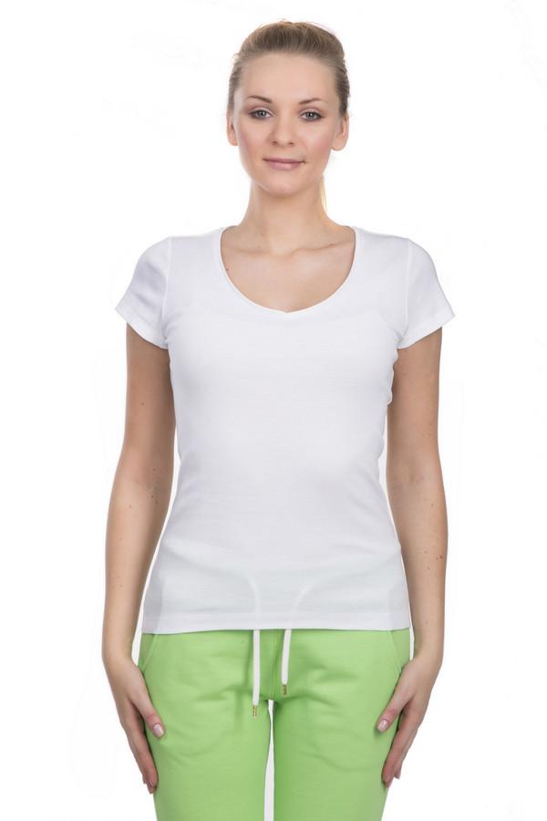 Футболка s.OliverФутболки<br>Брендовая женская футболка от s.Oliver. Она выполнена по классическому крою с круглым вырезом и коротким рукавом. Материал, из которого она пошита, на 100% состоит из хлопка.<br><br>Размер RU: 48<br>Пол: Женский<br>Возраст: Взрослый<br>Материал: хлопок 100%<br>Цвет: Белый