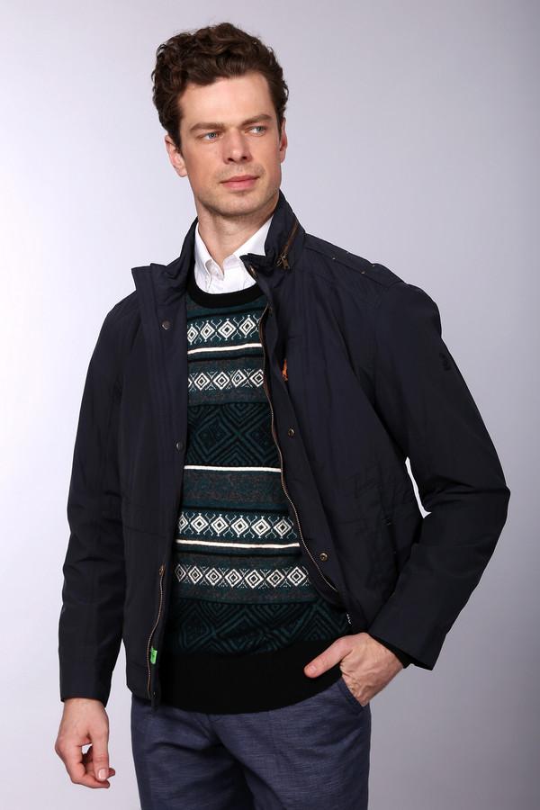 Куртка CalamarКуртки<br>Брендовая мужская куртка от Calamar, которая пошита из материала состоящего на 55% из хлопка и на 45% из полиамида. Данная модель прямого силуэта, которая застегивается на застежку-молнию и кнопки, выполнена в черном цвете с коричневыми молниями. Имеет так же два боковых и один нагрудный вертикальных карман на застежке-молнии.<br><br>Размер RU: 54<br>Пол: Мужской<br>Возраст: Взрослый<br>Материал: полиамид 45%, хлопок 55%<br>Цвет: Чёрный