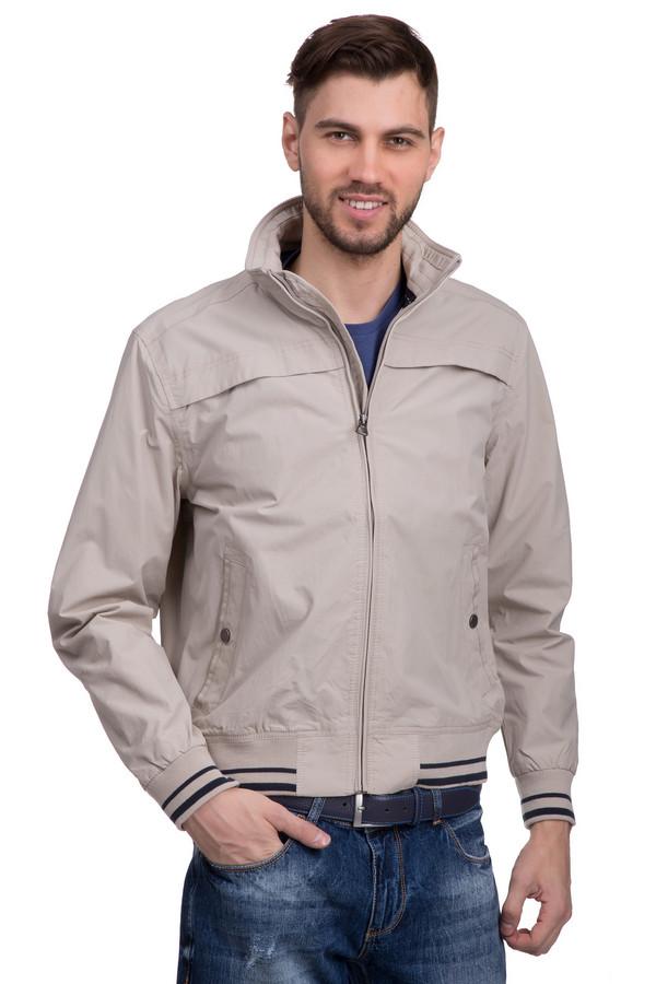 Куртка LerrosКуртки<br>Нейлоновая демисезонная куртка Lerros доступна в двух цветах – бежевый и темно-синий. Застёгивается на стильную молнию «под горло», располагающуюся по центру, так что фасон ворота можно приблизительно варьировать. Модель дополнена двумя карманами на кнопках. Благодаря нейтральному цветовому решению не требует особого подбора остального гардероба. Украшена ненавязчивыми полосочками на рукавах и подоле.<br><br>Размер RU: 52-54<br>Пол: Мужской<br>Возраст: Взрослый<br>Материал: нейлон 100%<br>Цвет: Разноцветный