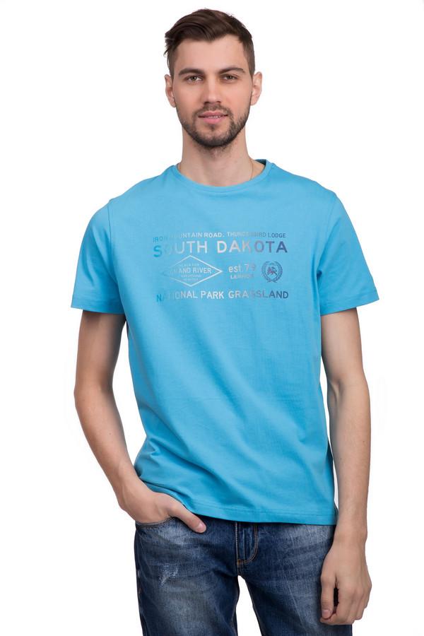 Футболкa LerrosФутболки<br>Модная мужская футболка от бренда Lerros. Эта свободная футболка сшитая по классическому покрою. Изделие дополнено: круглым вырезом и короткими рукавами средней длины. Футболка голубого цвета оформлена оригинальным принтом с надписями и эффектом градиент. Модель пошита из материала приятного на ощупь, который на 100% состоит из хлопка.<br><br>Размер RU: 44-46<br>Пол: Мужской<br>Возраст: Взрослый<br>Материал: хлопок 100%<br>Цвет: Голубой