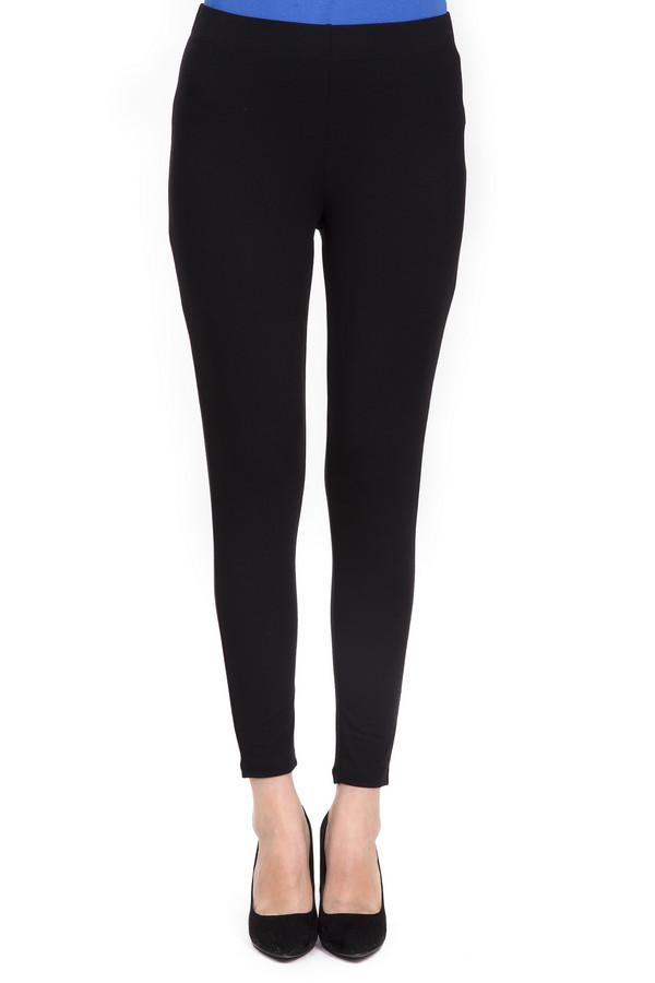 Брюки Via AppiaБрюки<br>Женские брюки-скинни от бренда Via Appia. Это брюки черного цвета, сшитые из вискозы с добавлением эластана. Изделие дополнено: эластичным поясом и завышенной талией. Идеально будут смотреться с удлиненными блузами.<br><br>Размер RU: 52<br>Пол: Женский<br>Возраст: Взрослый<br>Материал: вискоза 90%, эластан 10%<br>Цвет: Чёрный
