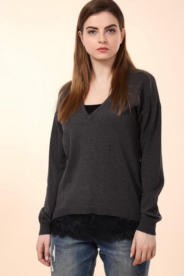 Пуловер OuiПуловеры<br>Пуловер Oui серого цвета с глубоким декольте идеально подойдет для работы и повседневной жизни. Сделанный из натурального хлопка пуловер, подарит вам тепло и уют в любое время года. Из под нижней части одежды выступает изысканное кружево, которое придаст элегантности вашему образу. В передней части пуловера кружево выступает значительно сильнее, чем в задней.<br><br>Размер RU: 46<br>Пол: Женский<br>Возраст: Взрослый<br>Материал: хлопок 67%, полиамид 33%<br>Цвет: Серый