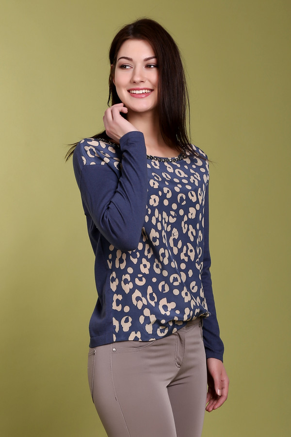 Пуловер Luisa CeranoПуловеры<br>Женский пуловер от торговой марки Luisa Cerano, выполненный в синем цвете с бежевым леопардовым принтом спереди. Эта модель дополнена длинным рукавом и U-образным вырезом, украшенным стразами и металлической фурнитурой. Состав материала данного изделия - 85% хлопок и 15% шелк.<br><br>Размер RU: 48<br>Пол: Женский<br>Возраст: Взрослый<br>Материал: хлопок 85%, шелк 15%<br>Цвет: Разноцветный