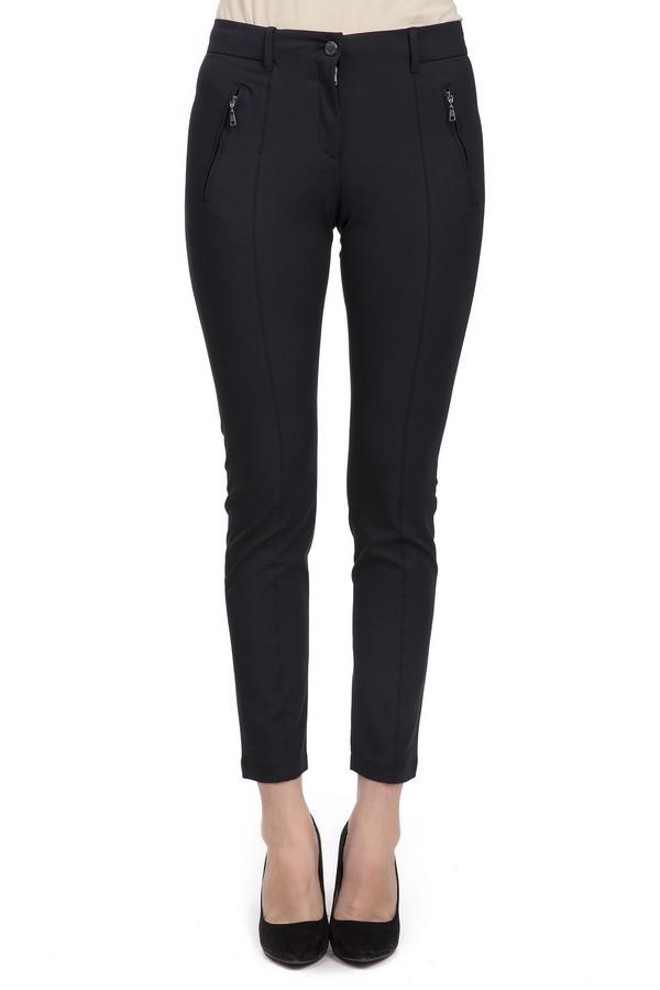 Брюки BraxБрюки<br>Женские брюки от бренда Brax. Это брюки-скинни средней посадки, черного цвета. Изделие пошито из материала, в состав которого входит: 5% эластана, 43% полиамида и 52% хлопка. Изделие дополнено двумя боковыми карманами на застежках-молниях, двумя задними карманами, а также швами вдоль всей длины на передней части брюк. На поясе расположены шлевки для ремня. Центральная часть застегивается на молнию и фиксируется на пуговицу.<br><br>Размер RU: 50<br>Пол: Женский<br>Возраст: Взрослый<br>Материал: эластан 5%, полиамид 43%, хлопок 52%<br>Цвет: Чёрный