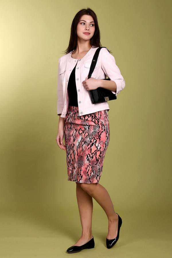 Юбка Betty BarclayЮбки<br>Летняя юбка Betty Barclay черного, оранжевого и бежевого цветов. Изделие выполнено из вискозы. Данная модель обладает ярким и оригинальным рисунком. Образ с такой юбкой не может не привлечь внимание окружающих. Сочетание с этим изделием делает любую повседневную одежду более интересной и стильной. Она выгодно подчеркивает достоинства фигуры.<br><br>Размер RU: 42<br>Пол: Женский<br>Возраст: Взрослый<br>Материал: вискоза 100%<br>Цвет: Разноцветный