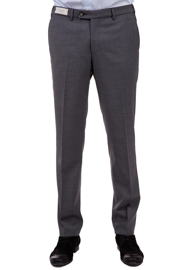 Брюки GardeurБрюки<br>Стильные мужские брюки от бренда Gardeur. Это брюки средней посадки, серого цвета в клетку, сшитые по классическому покрою со стрелками. Изделие выполнено из смеси полиэстера и шерсти, с добавлением эластана, и дополнено парой боковых и двумя задними карманами.<br><br>Размер RU: 56(L32)<br>Пол: Мужской<br>Возраст: Взрослый<br>Материал: эластан 2%, полиэстер 54%, шерсть 44%<br>Цвет: Чёрный