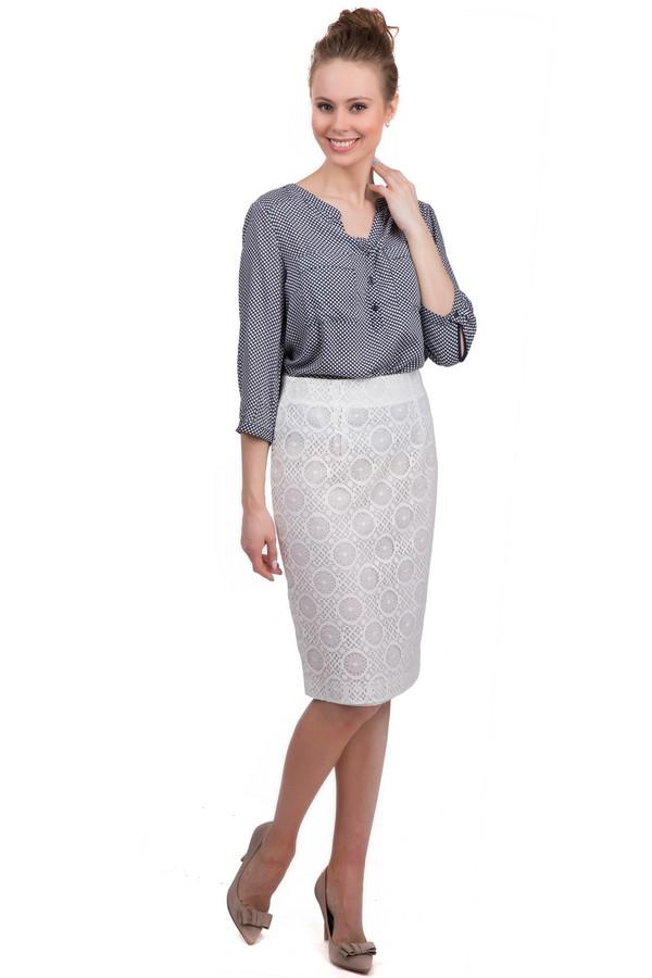 Юбка GardeurЮбки<br>Летняя юбка-карандаш Gardeur белого цвета. Изделие выполнено из полиамида. Дополнено оригинальным орнаментом и подъюбником. Юбка выгодно подчеркивает линию силуэта. В зависимости от аксессуаров, изделие можно сочетать как с офисным стилем, так и вечерним. Эта модель дает возможность экспериментировать с образом.<br><br>Размер RU: 42<br>Пол: Женский<br>Возраст: Взрослый<br>Материал: полиамид 100%<br>Цвет: Белый