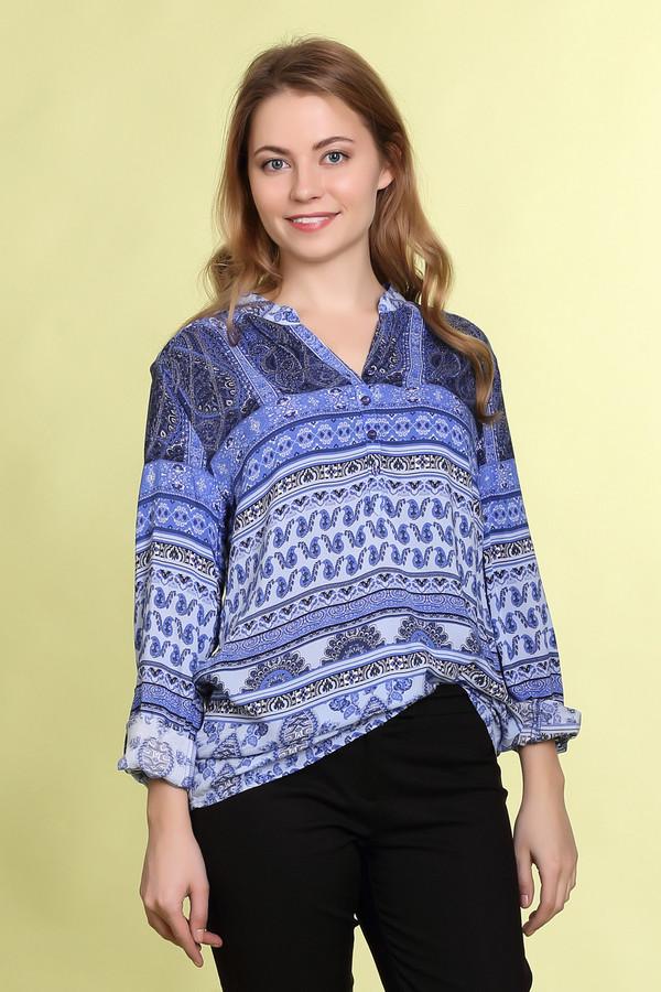 Блузa Betty BarclayБлузы<br>Яркая блуза-туника от бренда Betty Barclay. Блуза выполнена в голубых и синих тонах, с орнаментами турецкие огурцы. У данного изделия удлиненный крой, длинные рукава и круглый вырез на пуговицах. Данная блуза пошита из приятного у телу материала, который на 100% состоит из вискозы.<br><br>Размер RU: 50<br>Пол: Женский<br>Возраст: Взрослый<br>Материал: вискоза 100%<br>Цвет: Разноцветный