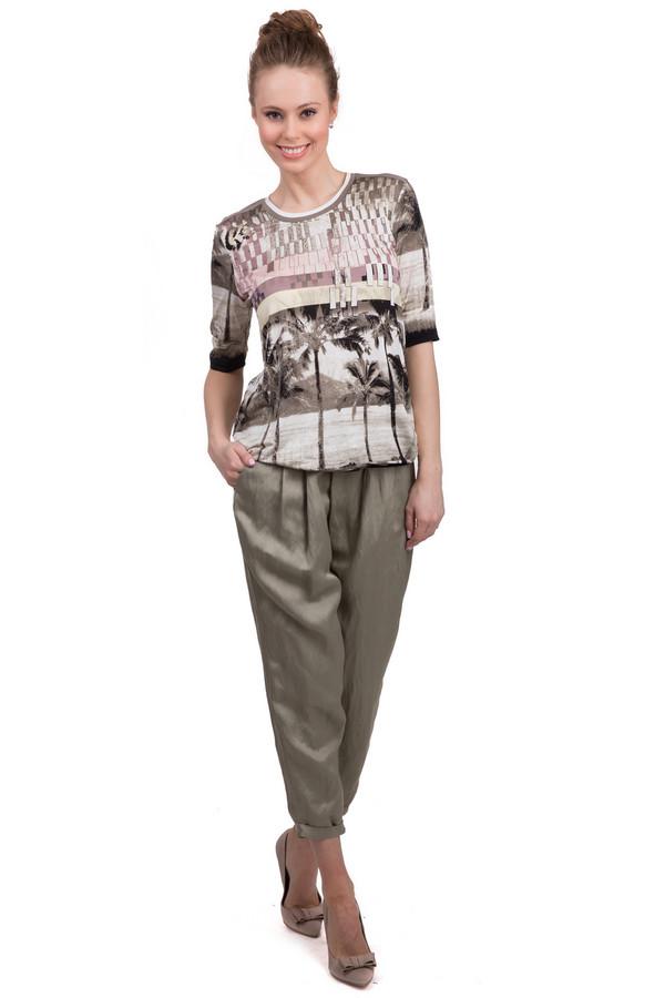 Брюки Marc AurelБрюки<br>Стильные брюки для женщин от бренда Marc Aurel. Это брюки-капри свободного покроя, выполненные из материала, в состав которого входит 60% вискозы и 40% льна. Данная модель представлена в цвете хаки и дополнена двумя задними карманами. На поясе расположены шлевки для ремня. Центральная часть застегивается на молнию и фиксируется на застежку крючок-петля.<br><br>Размер RU: 40<br>Пол: Женский<br>Возраст: Взрослый<br>Материал: вискоза 60%, лен 40%<br>Цвет: Зелёный